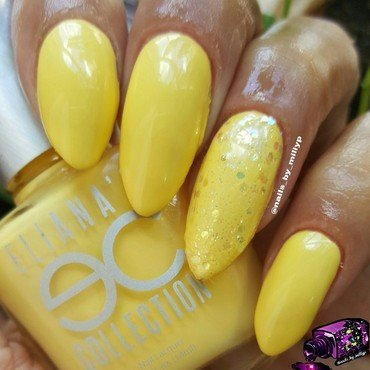 Banana Mama nail art by Milly Palma