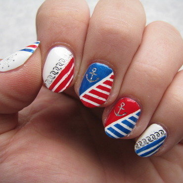 Nautical  nail art by Nail Crazinesss