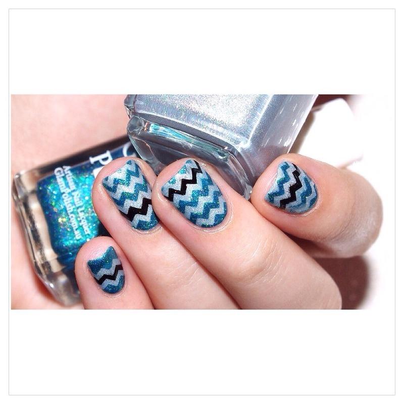 Chevrons ! nail art by Bulleuw