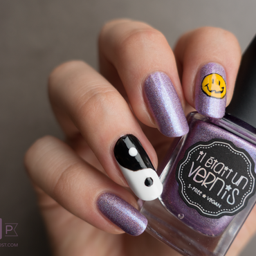 Pleased to Sweet You - We <3 the 90s nail art by Kate C.