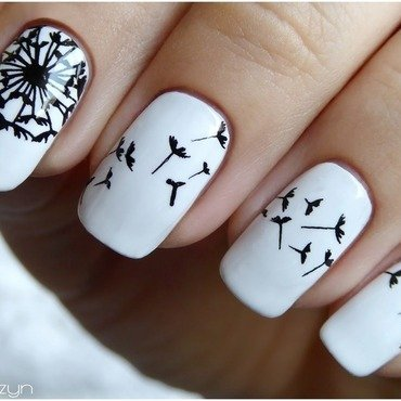Dandelion clock nail art by barbrafeszyn