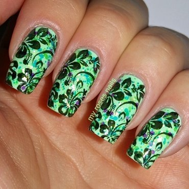 Tropical flowers nail art by Ewa