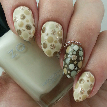 Neutral dots nail art by Lindsay