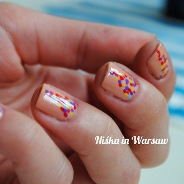 Easy dots nail art by Niska