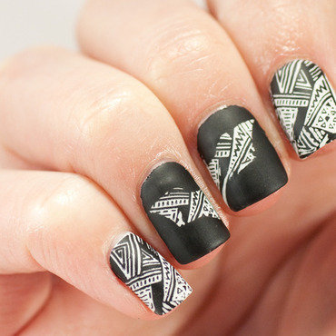 Batman silhouette nails nail art by Zara TracesOfPolish