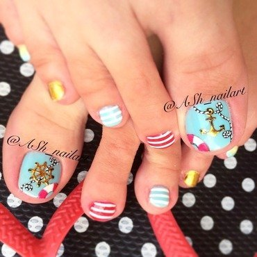 Navy summer pedi nail art by Anna Sh