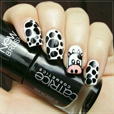Cow Blobbicure nail art by Sanela