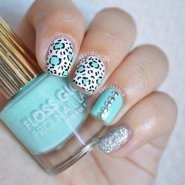 Leopard spots nail art by Julia