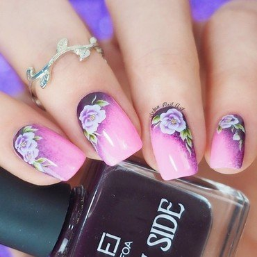 Easy Floral Mani With Waterdecals nail art by Lou