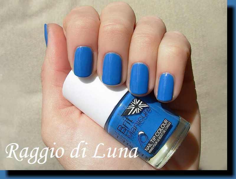 Rimmel Brit Manicure n° 449 Brit Blue Swatch by Tanja