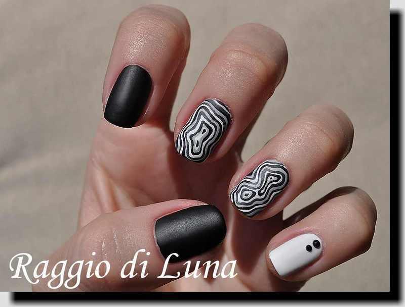 Black & grey & white tree stump pattern skittlette nail art by Tanja