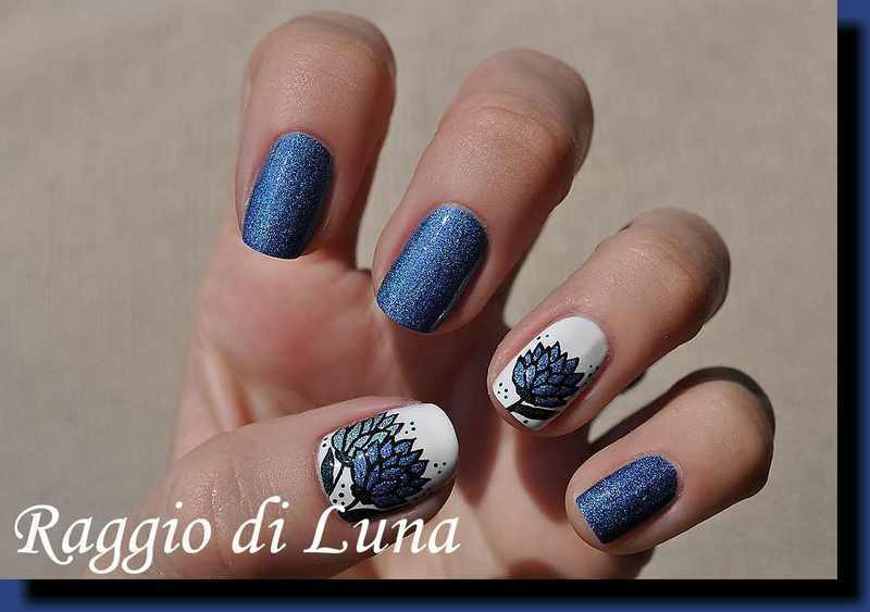 Blue holo flowers nail art by Tanja