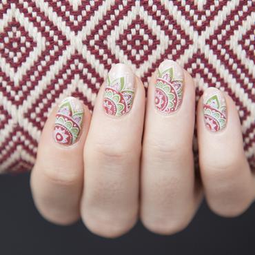 Reverse Mayan nail art by Magdalena