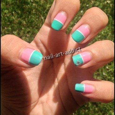 Nail Art : Bicolore et Stripping Tape nail art by SowNails
