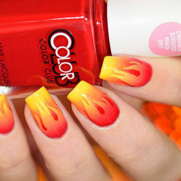 Scaled gradient fire nail art by simplynailogical