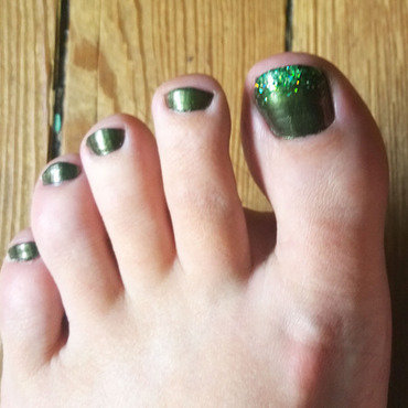 toes as green as a forrest lake nail art by ploefff