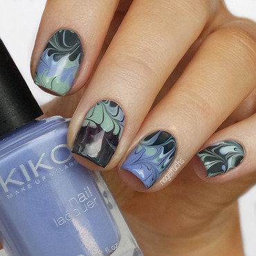 DIY Dry Marble Decals nail art by nagelfuchs