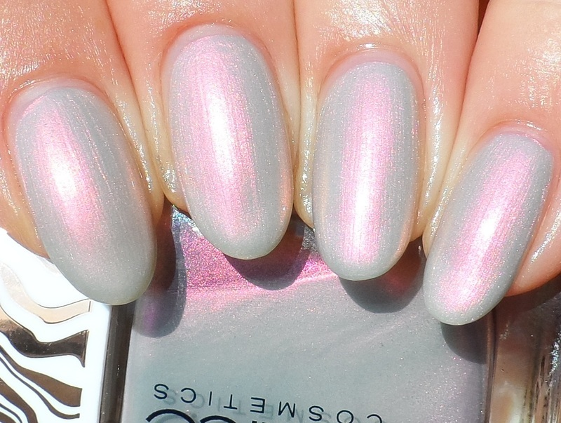 Catrice HoloGREYphic Swatch by Plenty of Colors