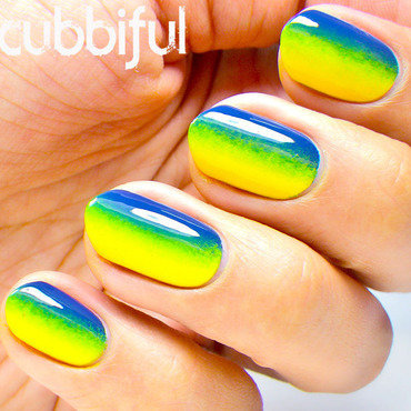 Gradient Nails nail art by Cubbiful