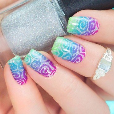 Fun Swirly Design nail art by Lou