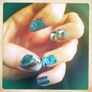 Toucan touch nail art by Anne-Laure BM