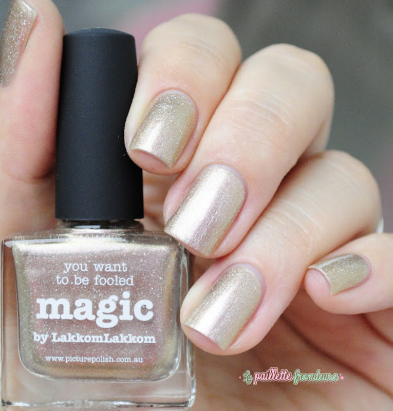 piCture pOlish magic Swatch by nathalie lapaillettefrondeuse