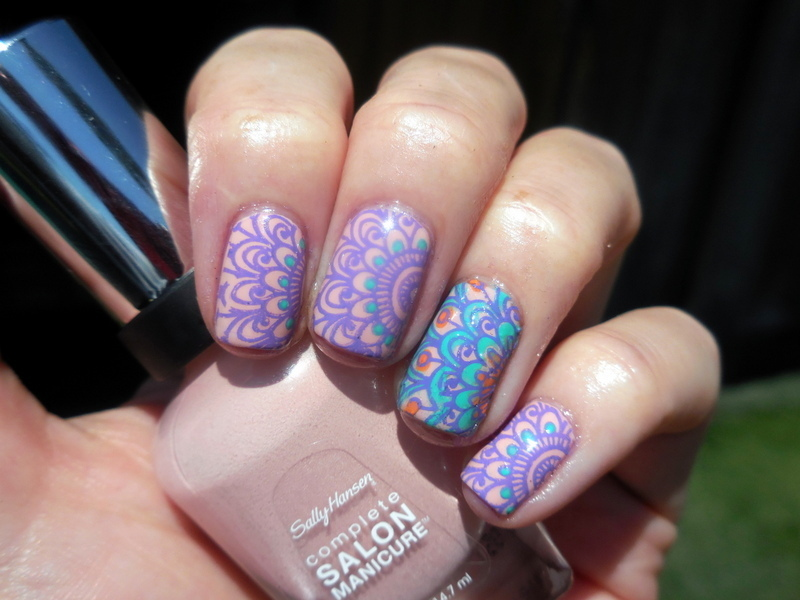 Reverse Stamping nail art by Donner