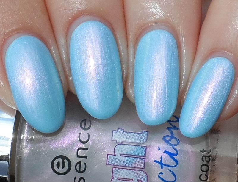 Essence Magic Play of Light and Essence Blue Bubble de Blue Swatch by Plenty of Colors