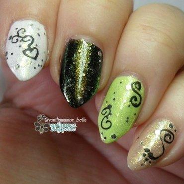 Glitery nail art by Isabella