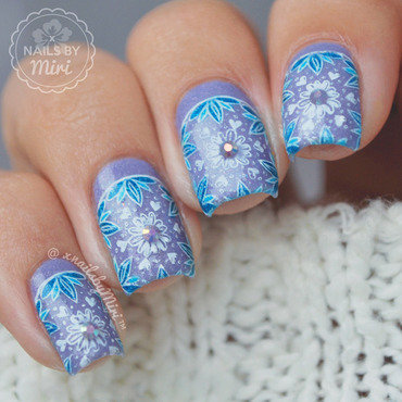Flower Stamp Design nail art by xNailsByMiri