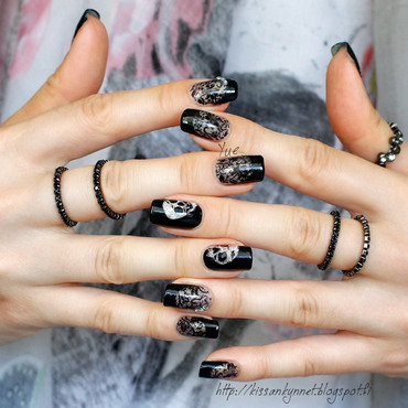 Lace skull nails np thumb370f