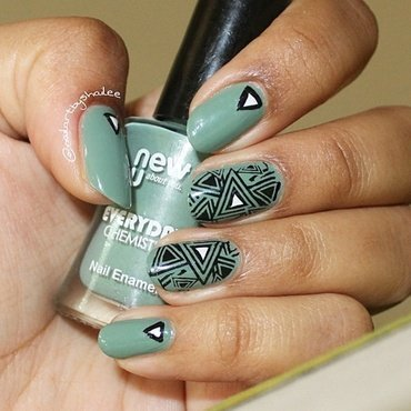 Triangle Nails nail art by Shailee