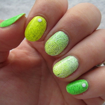 Neon green & yellow nail art by Nail Crazinesss
