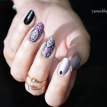 Fade to black nail art by 74ines