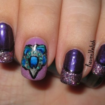 Seven Deadly Sins: Pride nail art by Lynni V.