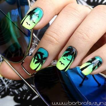 California Dreams nail art by barbrafeszyn