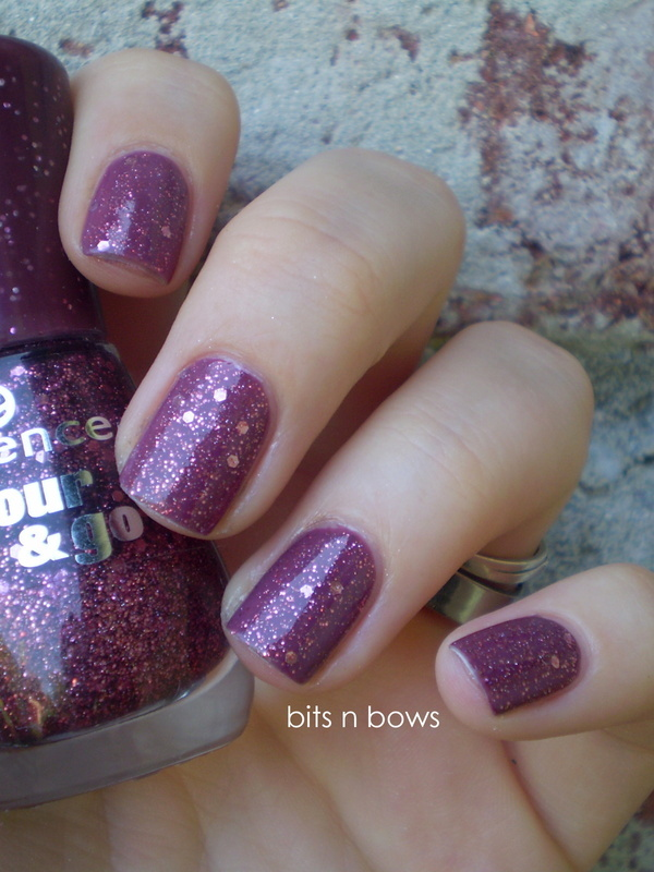 Essence What's my name and Essence Time for romance Swatch by Kristina
