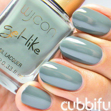 Wycon gel-like N.02 Verde Militare Swatch by Cubbiful