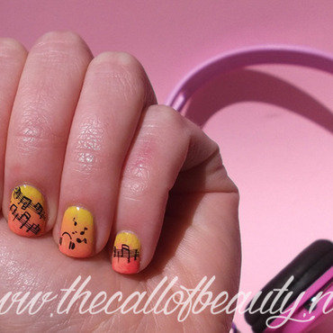 I love music nail art by The Call of Beauty