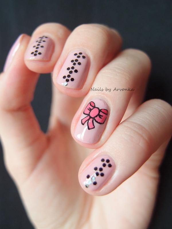 Nails with Bow nail art by Veronika Sovcikova