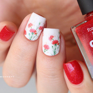 Coquelicots nail art by Mary Monkett