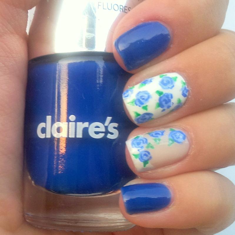 Blue Roses Nail Art Design nail art by Katia