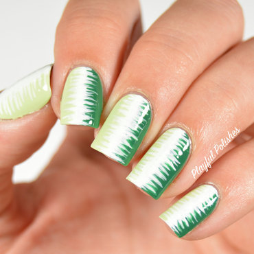 31DC2015 Day 4: Green Nails nail art by Playful Polishes