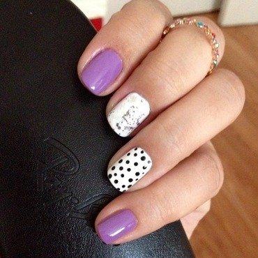 Lil' doots nail art by Elyana