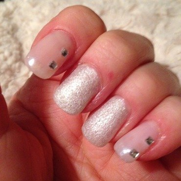 Simple  nail art by Sarah Sanchez