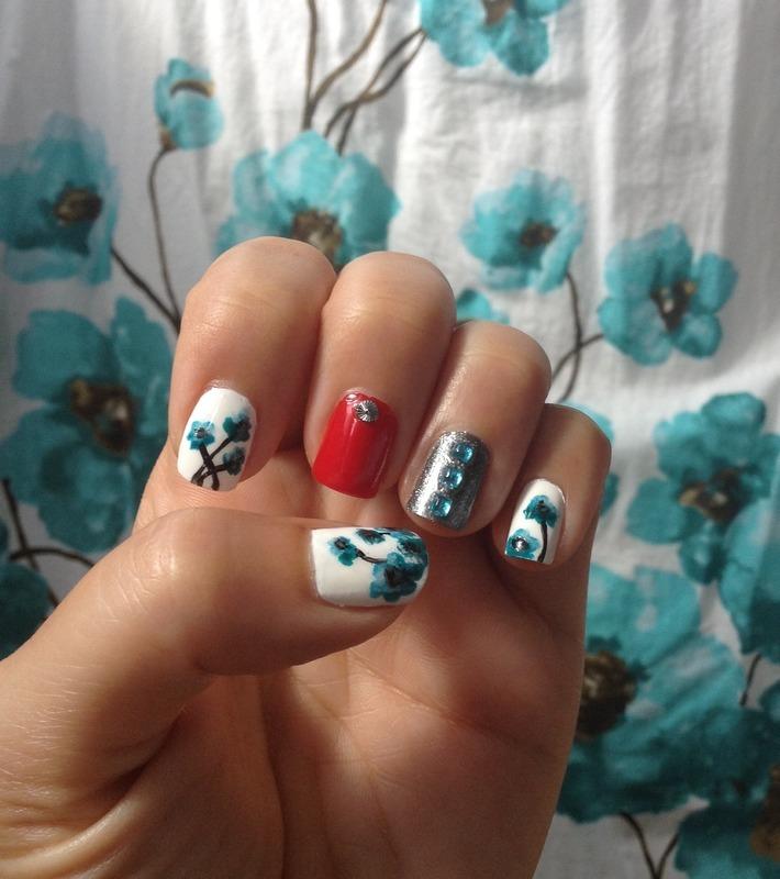 I <3 Tokyo nail art by Idreaminpolish