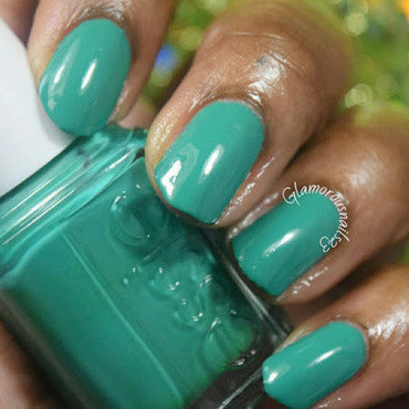 Essie ruffles & feathers Swatch by glamorousnails23