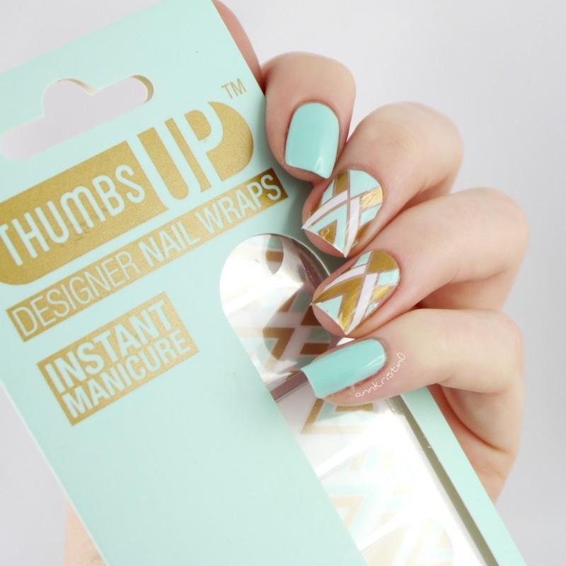 ThumbsUp Nails Cleo nail art by Ann-Kristin