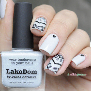 Picture 20polish 20lakodom 20v 20nails 204 thumb370f
