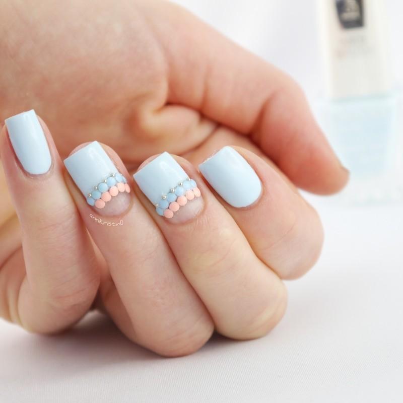 Light Blue Accent Studs nail art by Ann-Kristin